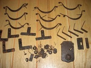 古いタンスの使用金物