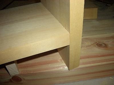 本棚、棚板、突付け加工部分
