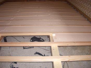 床断熱材の入れ方