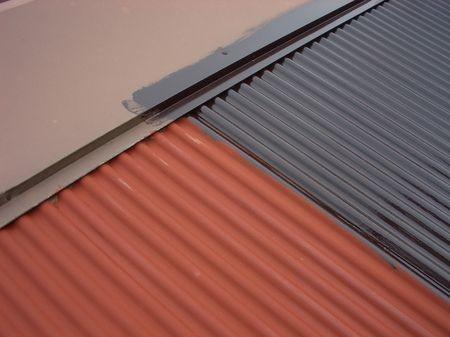 波板トタン屋根のペンキ塗替え手順と注意点